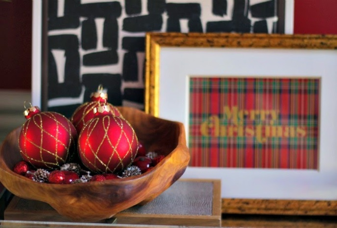 holiday entry table vignette