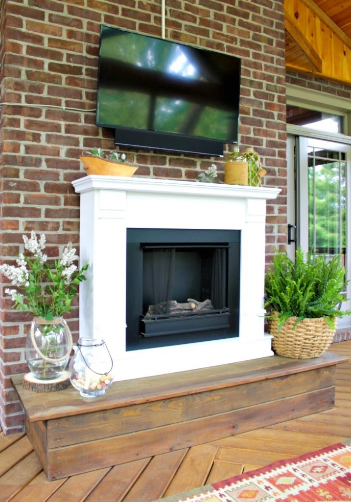 screened porch - fireplace