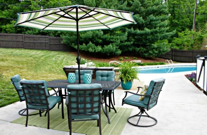 outdoor dining set - from Lowe's