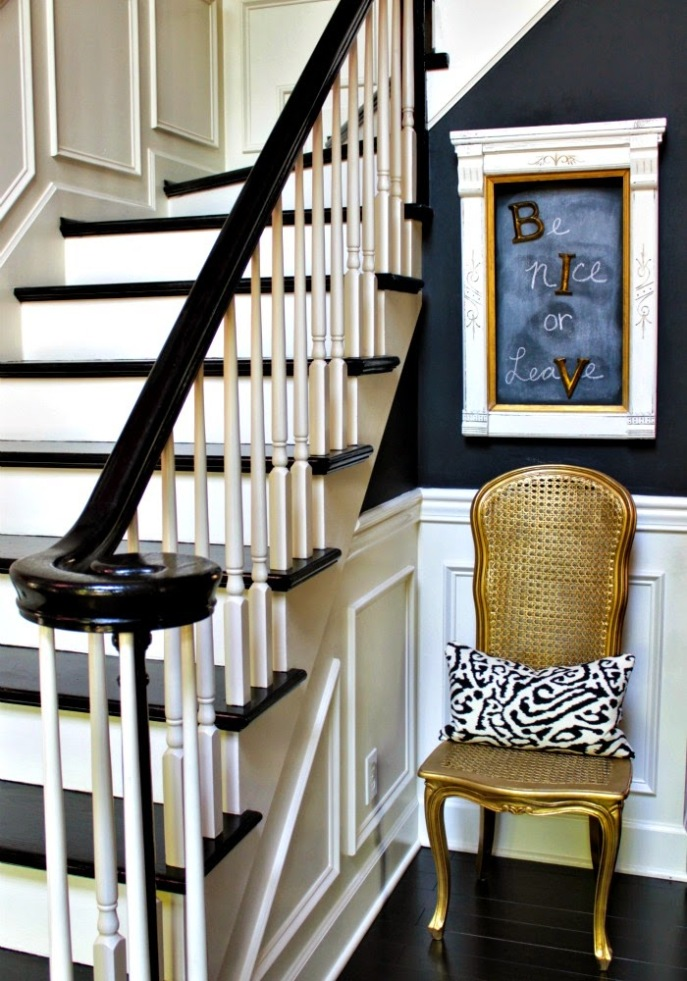 magnetic primer + chalkboard paint creates a quirky entry foyer message board