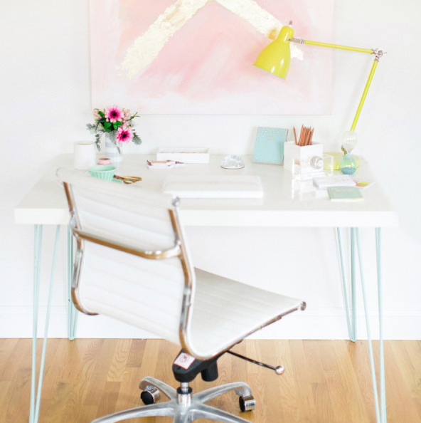 hairpin desk - via style me pretty