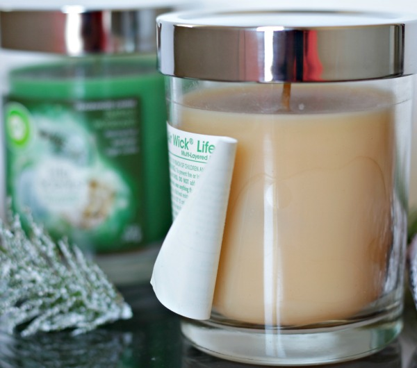 air wick candles - perfect for holiday decorating with easy peel backs #smellslikeholidayspirit