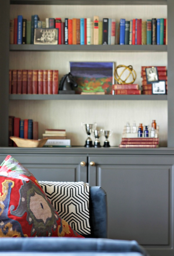 Sherwin Williams Urbane Bronze and Grasscloth Wallpaper on Bookcases