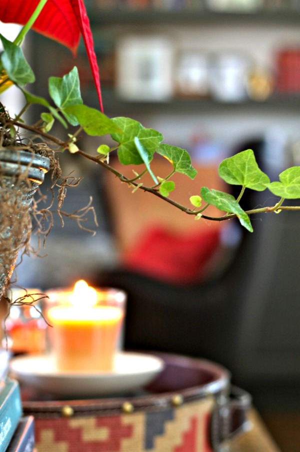 simple holiday decorating with candles