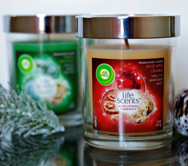 holiday scented candles from Air Wick - #smellslikeHolidaySpirit