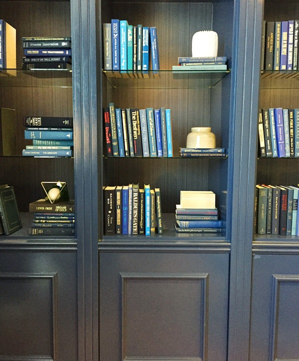 Savannah Trip Report - The Doubletree Hotel Library Room - Beautiful blue bookcases